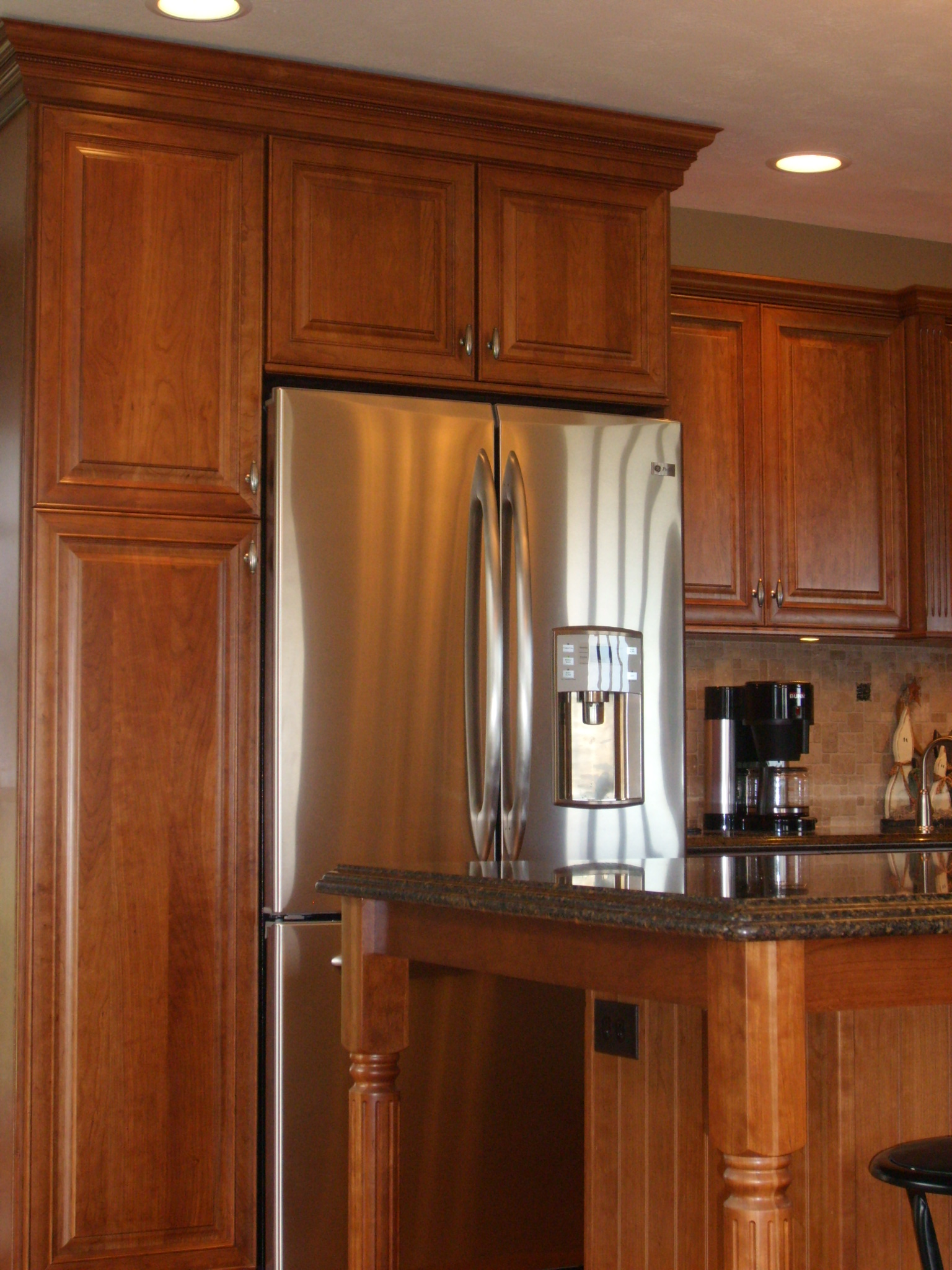 Kraftmaid Rutherford Cherry With Sunset Stain Kitchens