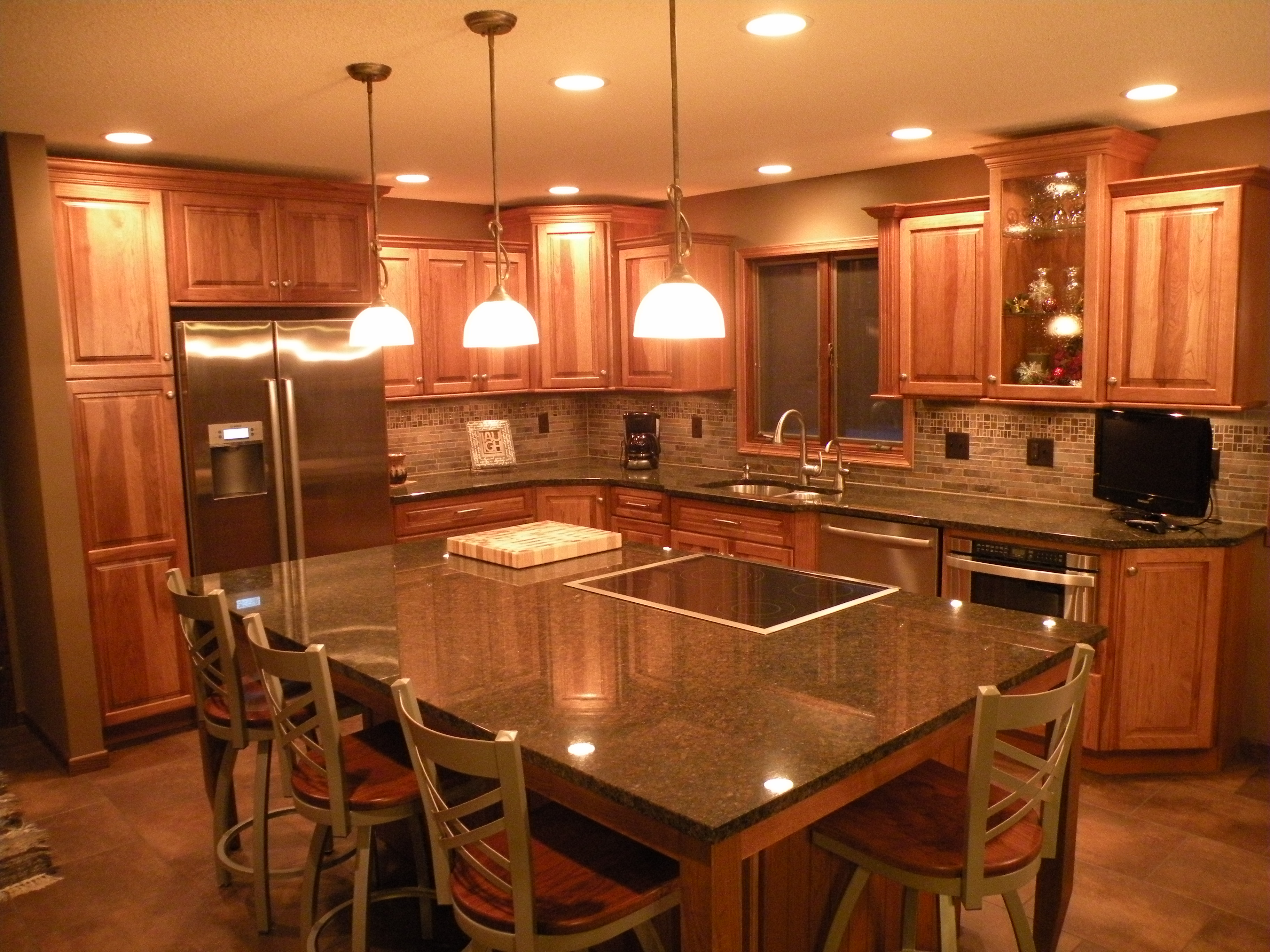 Kitchens With Sunset Hickory Cabinets