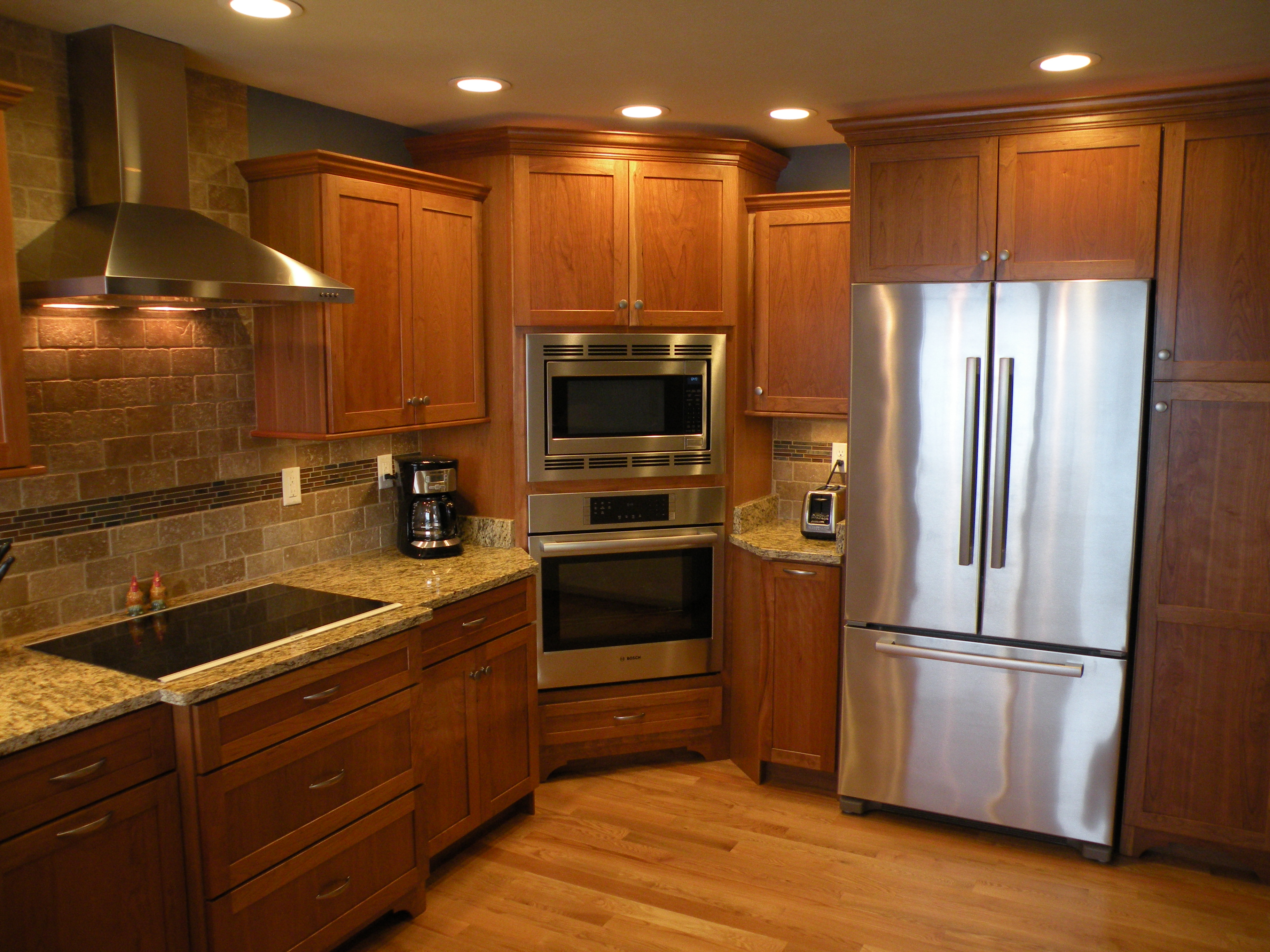 Kraftmaid Cherry Cabinetry With Honey Spice Stain